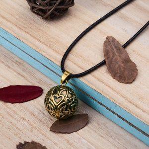 Magnifique collier de grossesse bola