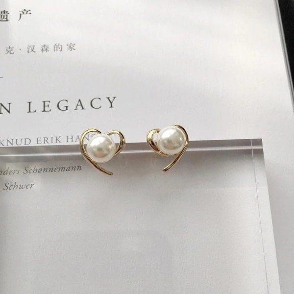 Boucle d'oreille cœur, à perles